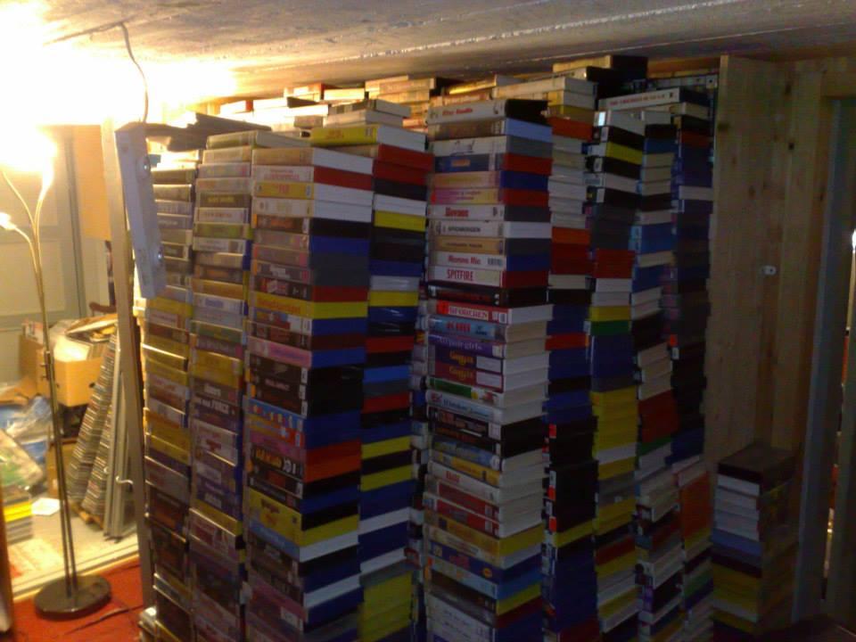 VHS-kassetter tar plass ja, og er samlinga stor, så bør boligen være stor og. Foto: Dag-Johnny Elnes.