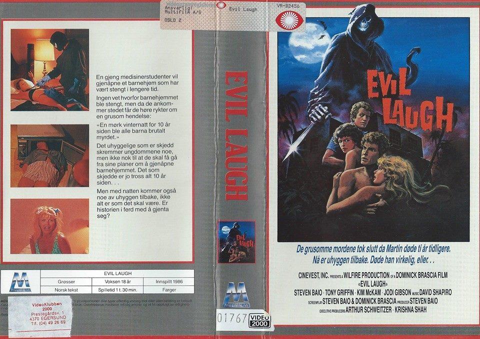 Sjeldne filmer, med tøffe covere gjorde livet spennende for en guttunge på 80-tallet. Foto: Espen Hansrud.